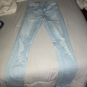 Light Wash Ripped Skinny Jean